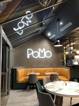 PoMo Hotel & Restaurant