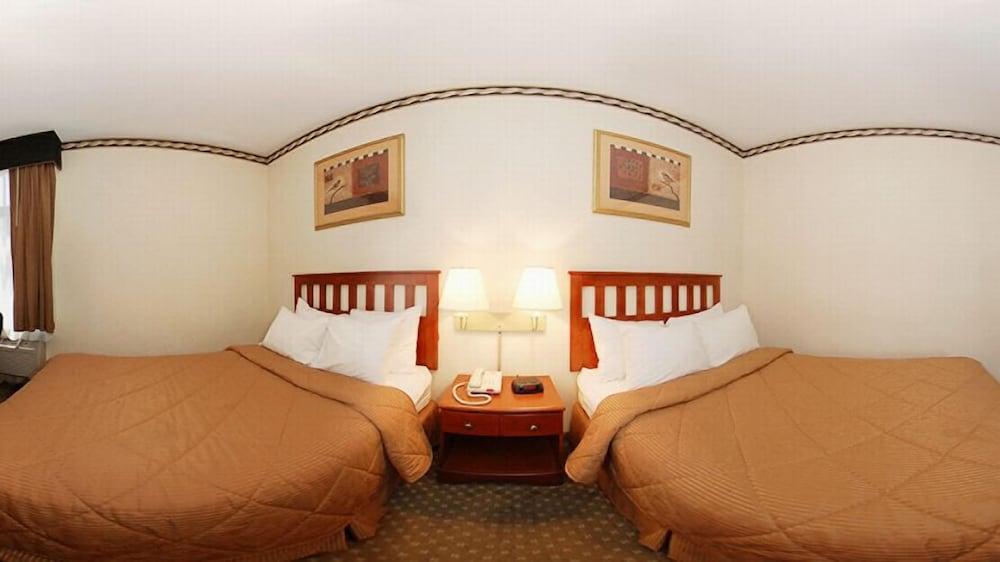 Premium Room, 1 Queen Bed, Accessible