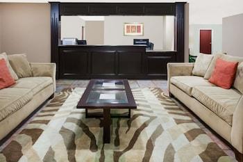 Days Inn & Suites by Wyndham New Iberia