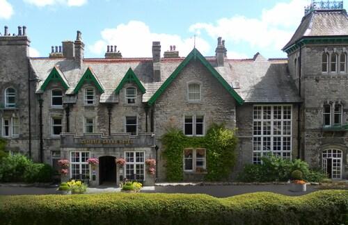 . Cumbria Grand Hotel