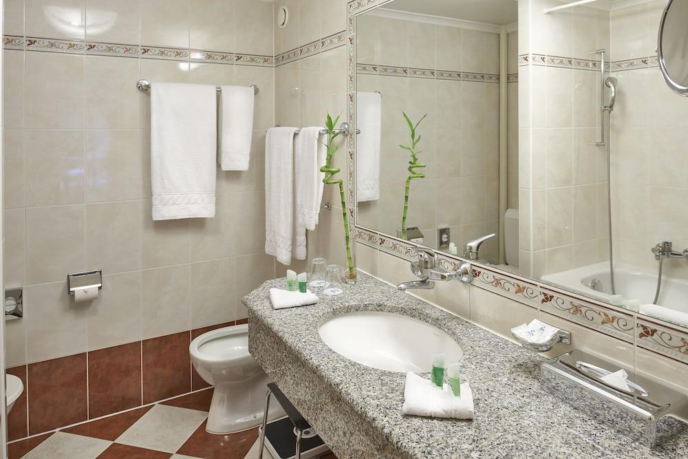 유로텔 빅토리아(Eurotel Victoria) Hotel Image 15 - Bathroom