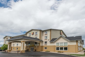 Hotel - Super 8 by Wyndham Grimsby Ontario