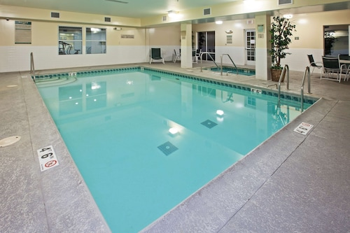 . Country Inn & Suites by Radisson, Chicago O'Hare South, IL