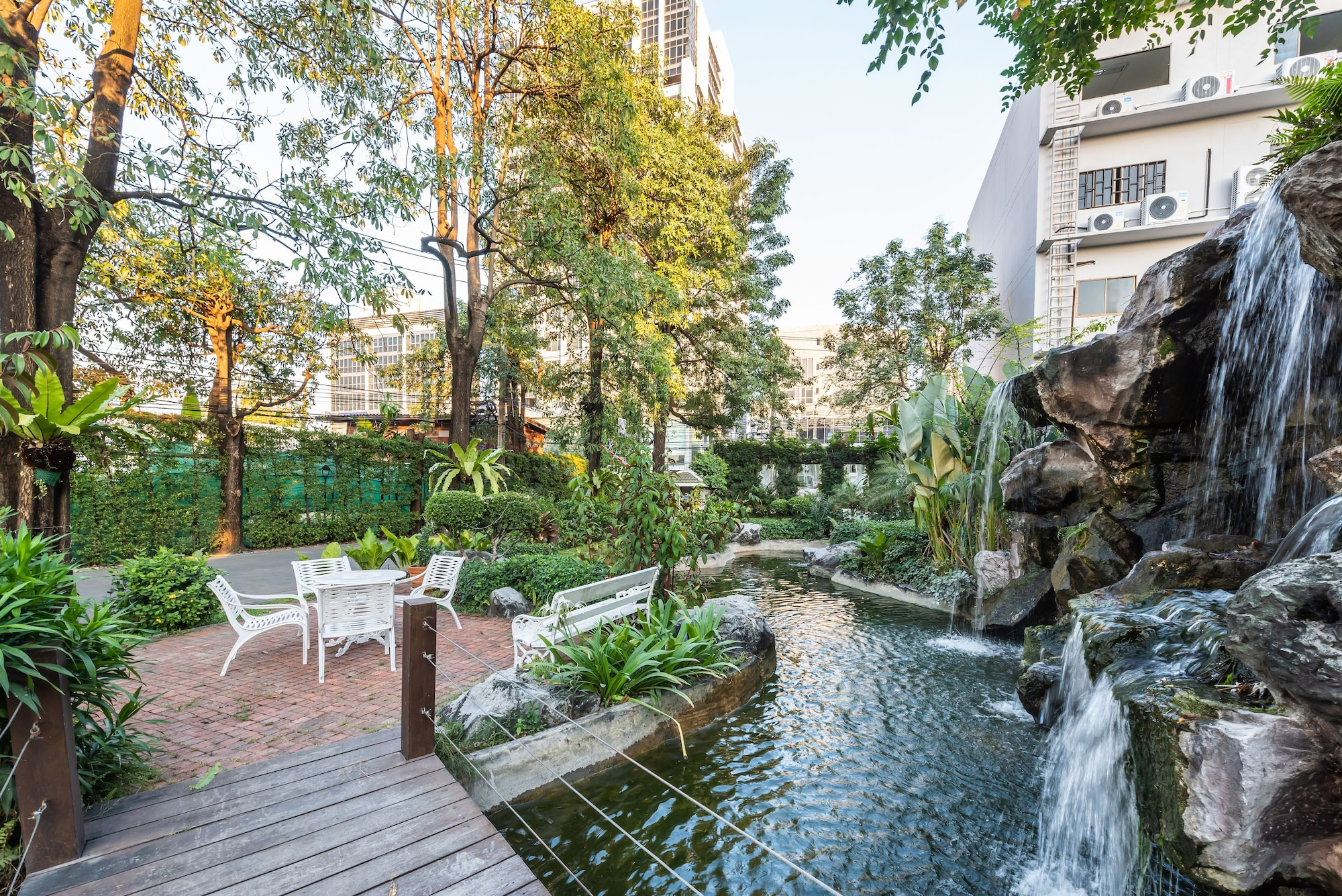 Royal Suite Hotel Bangkok, Wattana