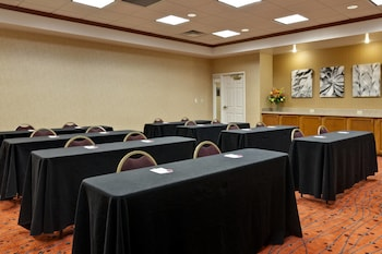 Warrenville Vacations - Residence Inn by Marriott Chicago Naperville/Warrenville - Property Image 1
