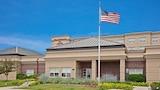 Warrenville Hotels