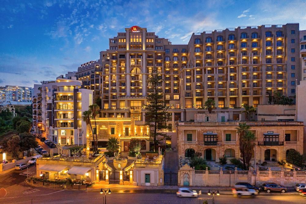 https://i.travelapi.com/hotels/1000000/980000/973600/973535/0850fef6_z.jpg