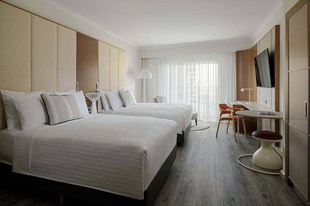 https://i.travelapi.com/hotels/1000000/980000/973600/973535/2adedae8_z.jpg
