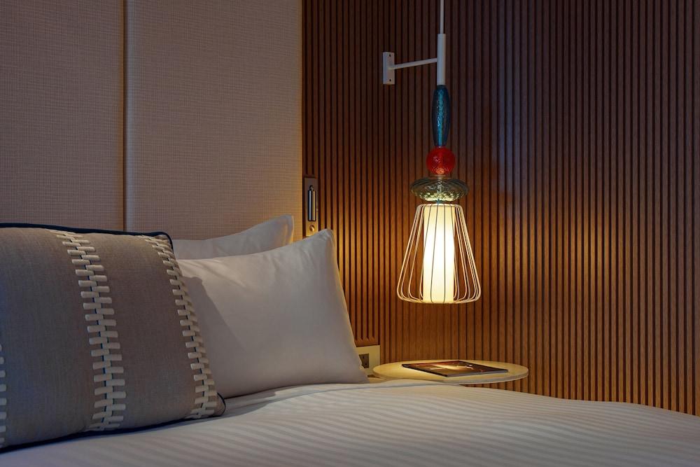 https://i.travelapi.com/hotels/1000000/980000/973600/973535/2dfc801a_z.jpg