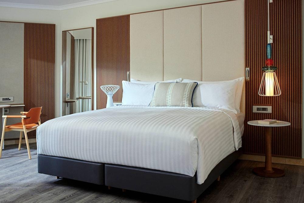 https://i.travelapi.com/hotels/1000000/980000/973600/973535/c89aeac9_z.jpg