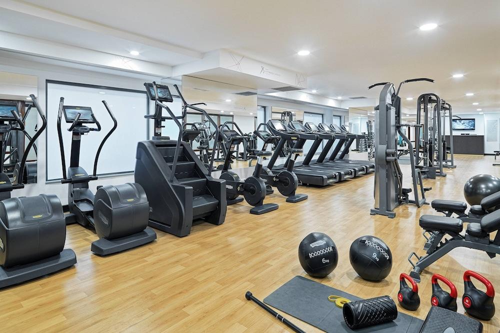 https://i.travelapi.com/hotels/1000000/980000/973600/973535/cddadcc2_z.jpg