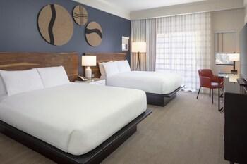Room, 2 Queen Beds, Patio