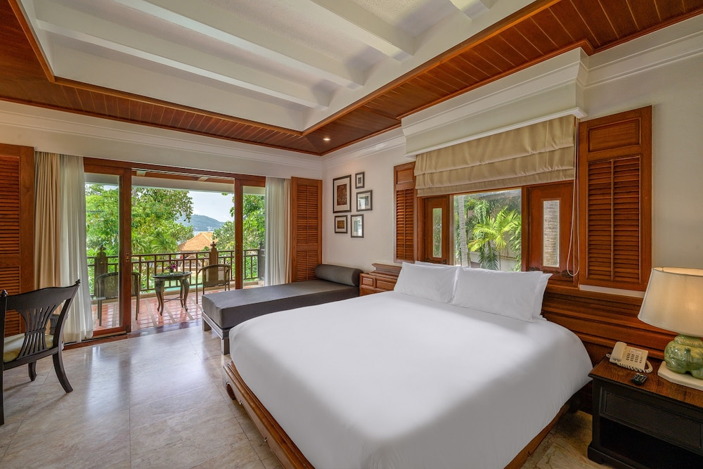 https://i.travelapi.com/hotels/1000000/980000/975500/975456/071d6177_z.jpg