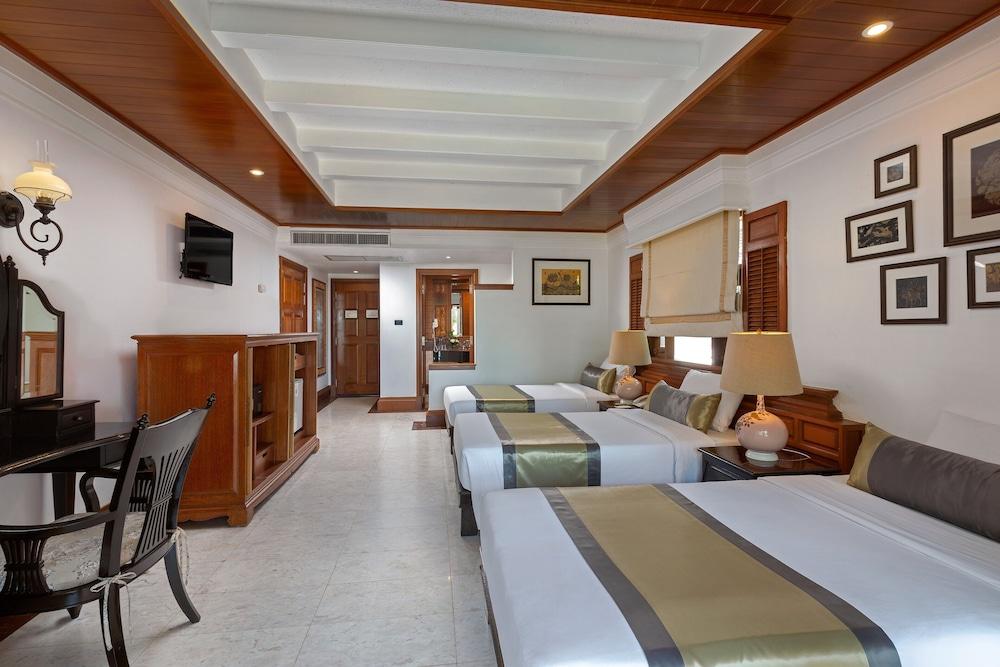 https://i.travelapi.com/hotels/1000000/980000/975500/975456/2fc3e970_z.jpg