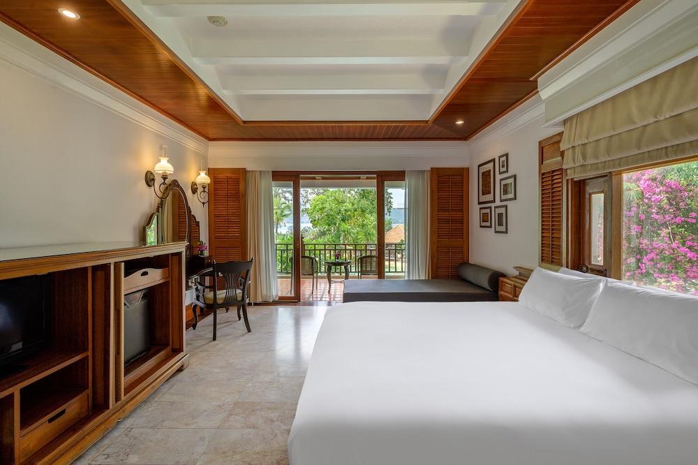 https://i.travelapi.com/hotels/1000000/980000/975500/975456/bde41446_z.jpg