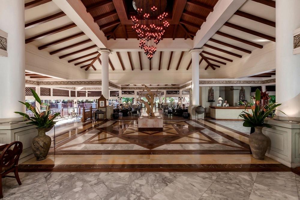https://i.travelapi.com/hotels/1000000/980000/975500/975456/d3626f93_z.jpg
