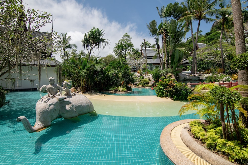 https://i.travelapi.com/hotels/1000000/980000/975500/975456/f68949bc_z.jpg