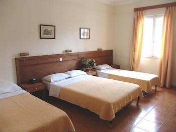 Family Room, Connecting Rooms