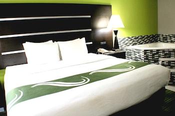 1 King Bed, Efficiency, Suite, Nonsmoking