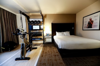 Room, 1 King Bed (Fitness)