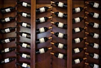 AJ 니우니트(AJ Niunit) Hotel Image 36 - Food and Drink