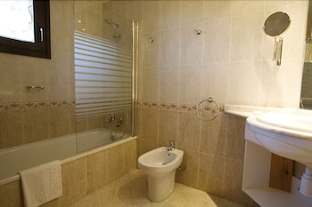 AJ 니우니트(AJ Niunit) Hotel Image 13 - Bathroom