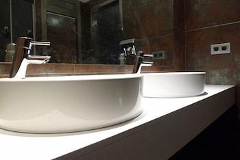AJ 니우니트(AJ Niunit) Hotel Image 14 - Bathroom Sink