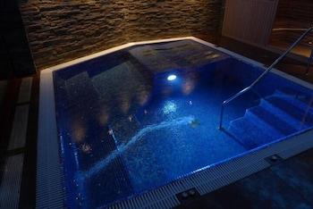 AJ 니우니트(AJ Niunit) Hotel Image 3 - Pool