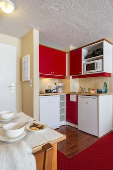 Résidence Pierre & Vacances Le Sequoïa - In-Room Kitchen  - #0