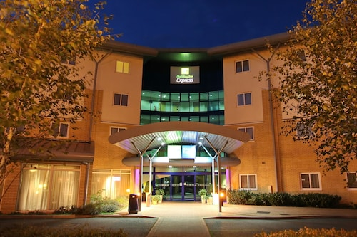 . Holiday Inn Express Southampton M27 Jct7