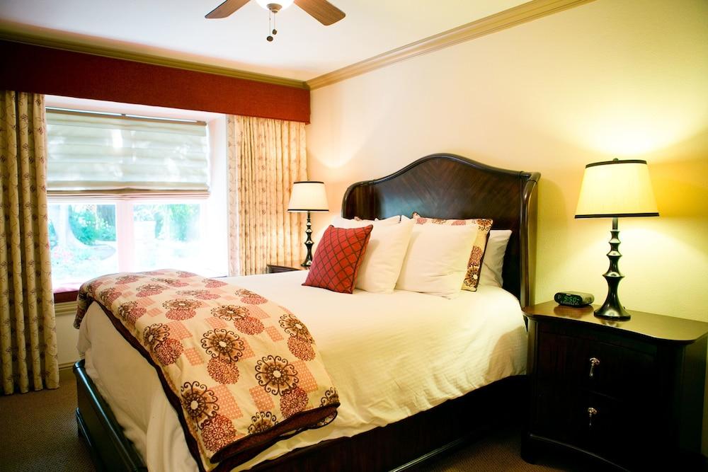 Strauss Room