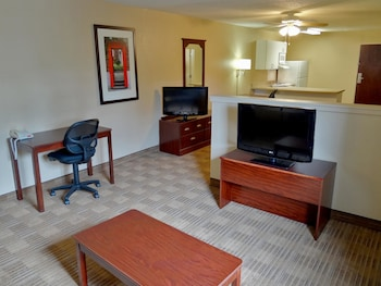 Guestroom at Extended Stay America Philadelphia - Plymouth Meeting in Plymouth Meeting