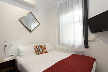 Economy Room, 1 Double Bed, Non Smoking, Shared Bathroom