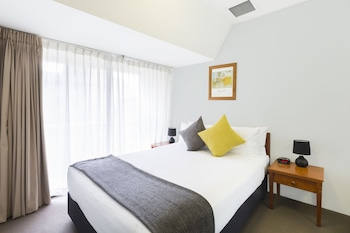 Guestroom at Song Hotel Sydney in Sydney