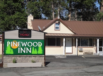 Hotel - Pinewood Inn