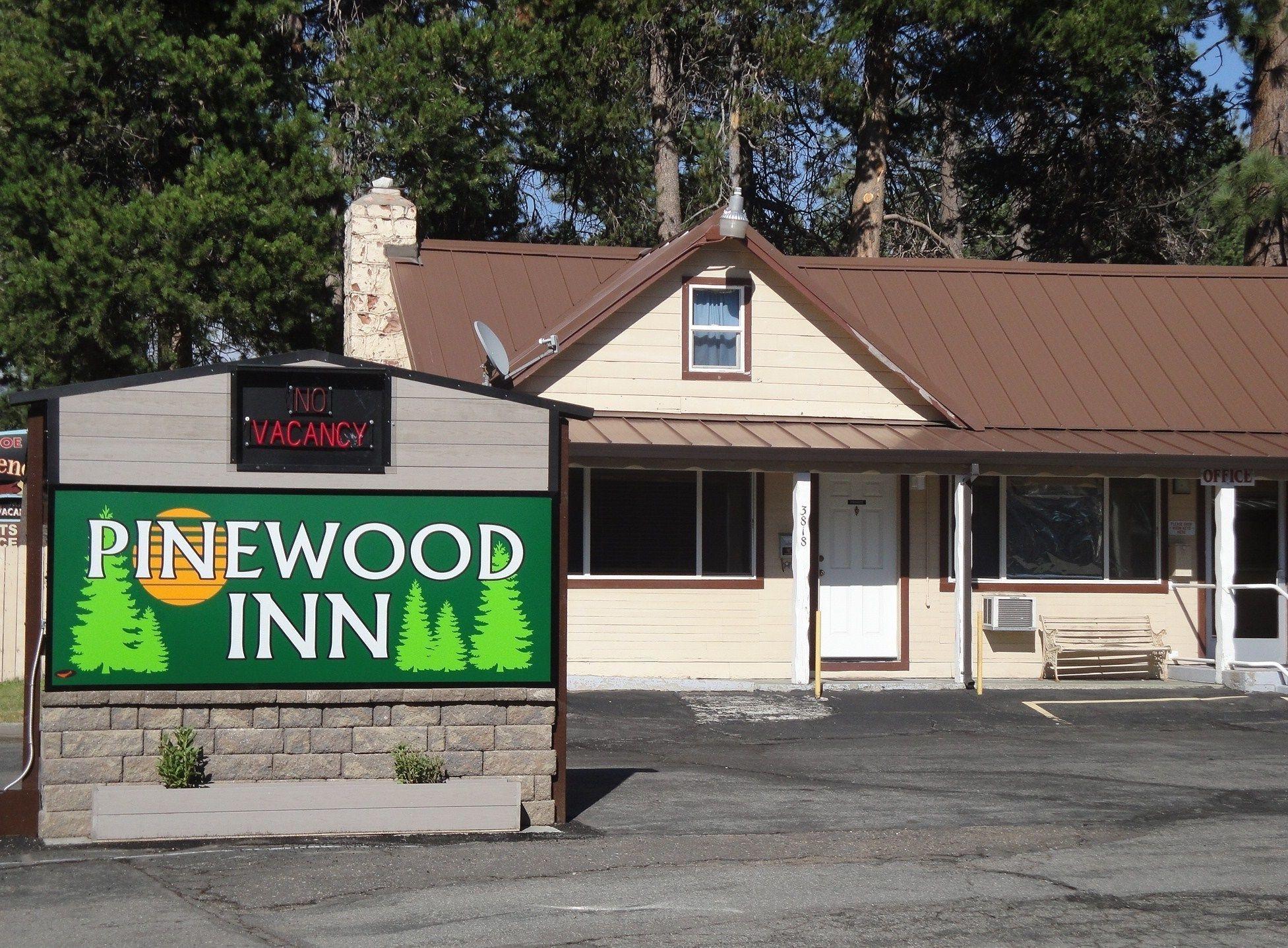 Pinewood Inn, El Dorado