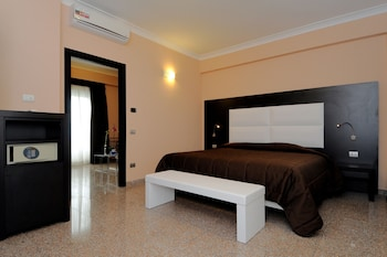 Hotel Euro House Suites