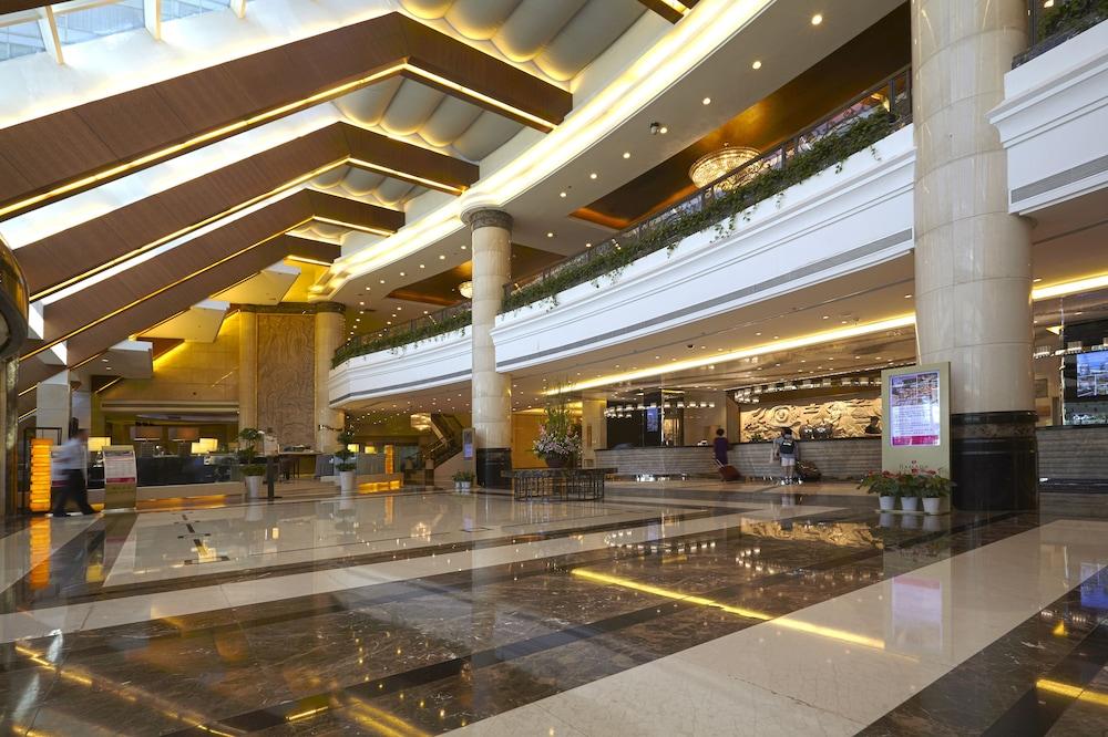라마다 플라자 상하이 푸동 에어포트(Ramada Plaza Shanghai Pudong Airport) Hotel Image 17 - Reception