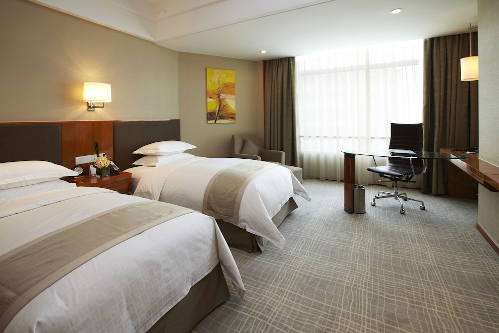 라마다 플라자 상하이 푸동 에어포트(Ramada Plaza Shanghai Pudong Airport) Hotel Image 15 - Guestroom