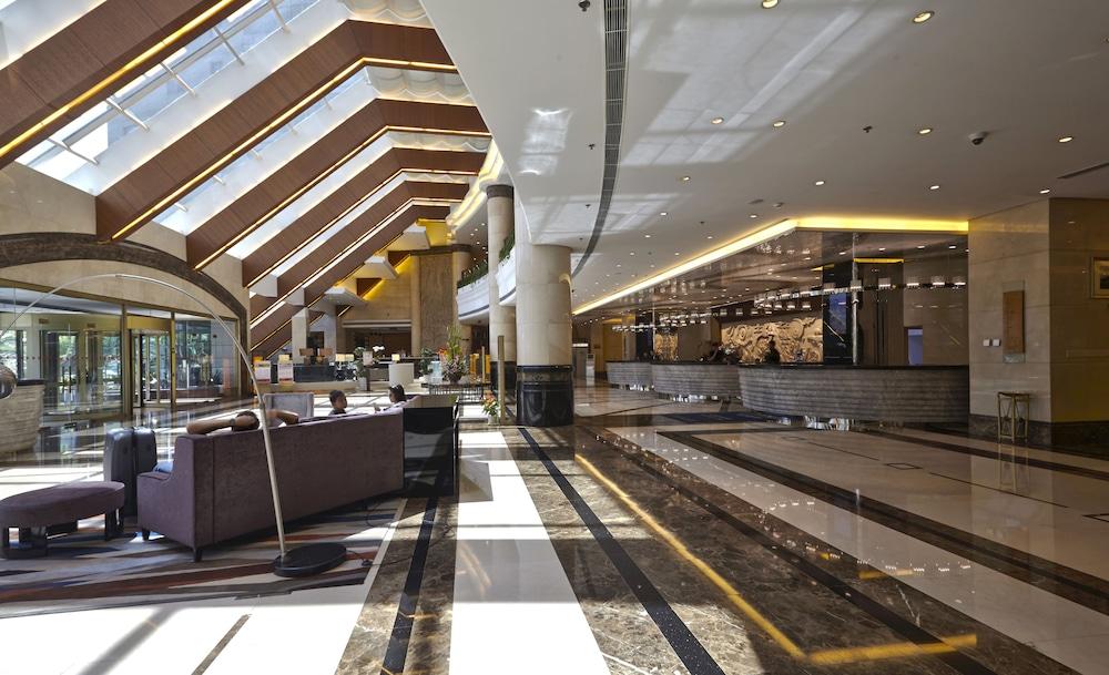 라마다 플라자 상하이 푸동 에어포트(Ramada Plaza Shanghai Pudong Airport) Hotel Image 2 - Lobby