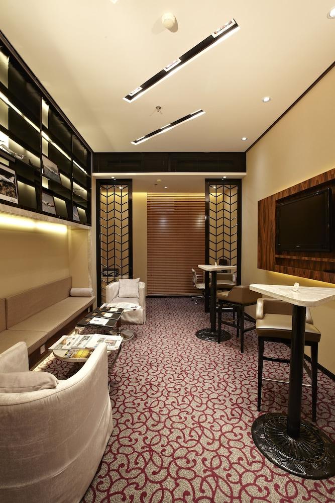 라마다 플라자 상하이 푸동 에어포트(Ramada Plaza Shanghai Pudong Airport) Hotel Image 33 - Executive Lounge