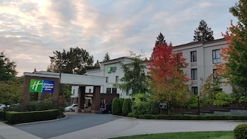 Hotel - Holiday Inn Express & Suites Surrey