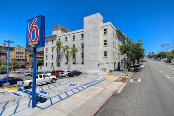 Hotel - Motel 6 San Diego Downtown