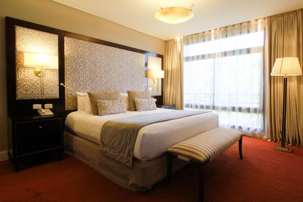 https://i.travelapi.com/hotels/1000000/980000/979400/979370/2e00cf46_z.jpg
