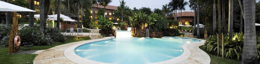 https://i.travelapi.com/hotels/1000000/980000/979400/979370/39ed8ba1_z.jpg