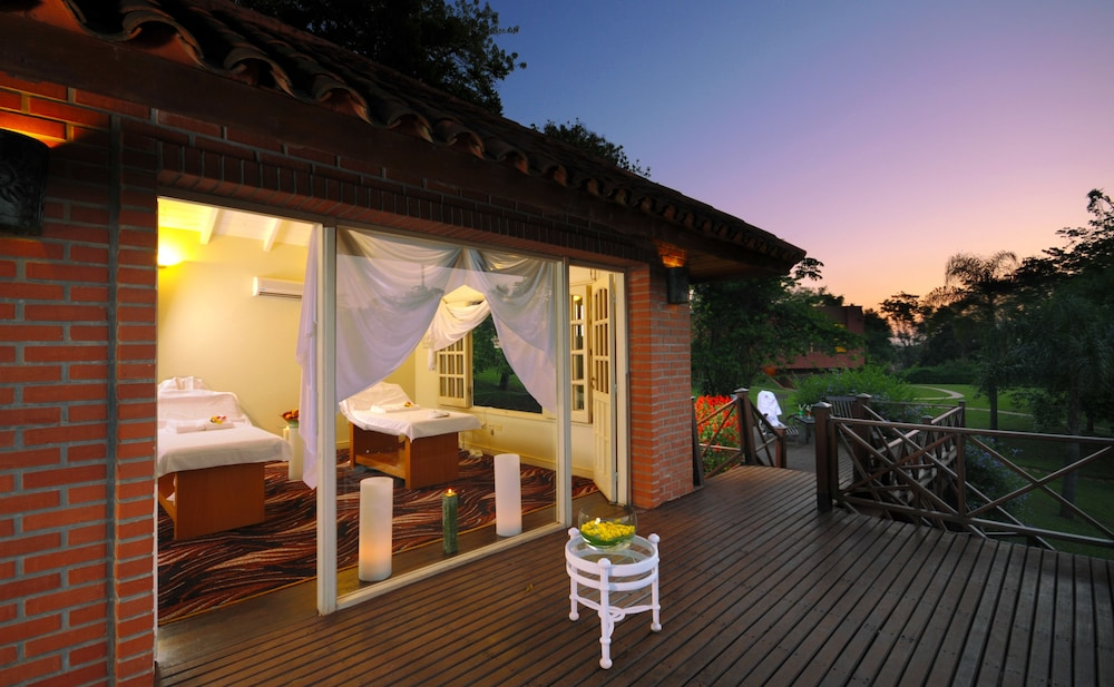 https://i.travelapi.com/hotels/1000000/980000/979400/979370/3de28959_z.jpg