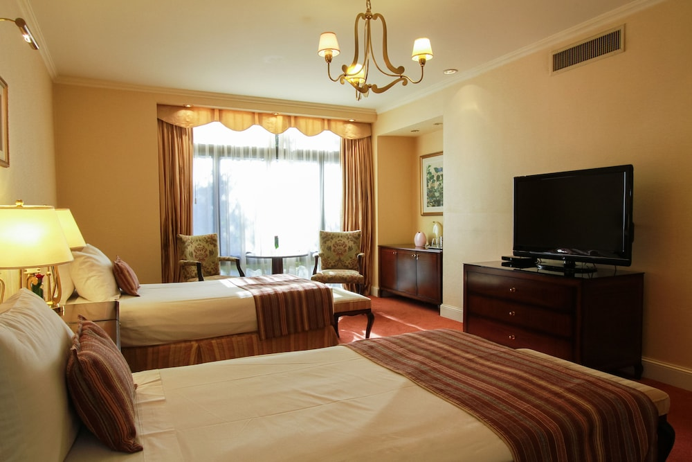 https://i.travelapi.com/hotels/1000000/980000/979400/979370/7dac462b_z.jpg