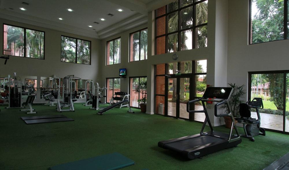 https://i.travelapi.com/hotels/1000000/980000/979400/979370/9f21a5b4_z.jpg