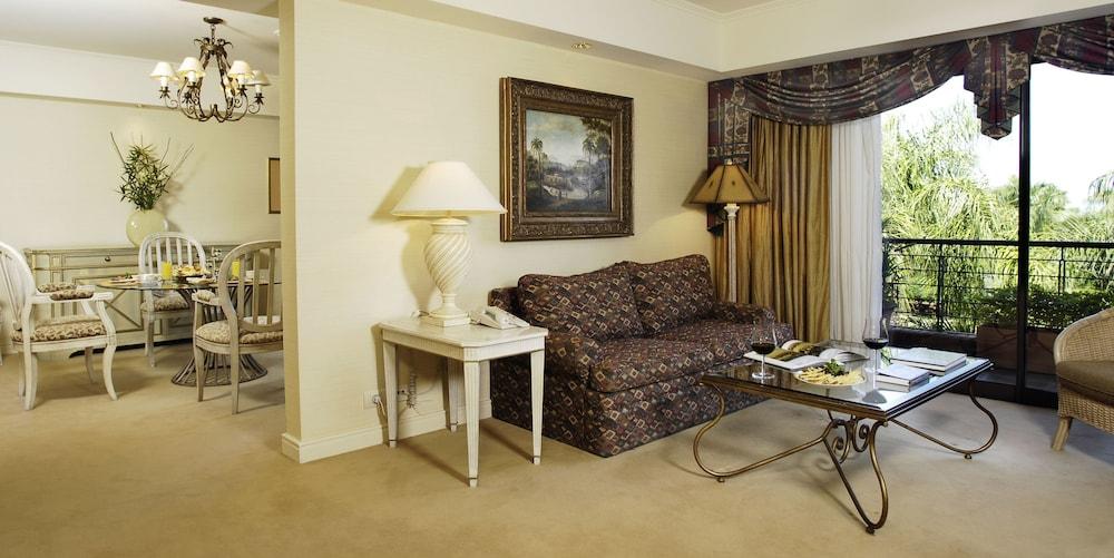 https://i.travelapi.com/hotels/1000000/980000/979400/979370/a167372e_z.jpg