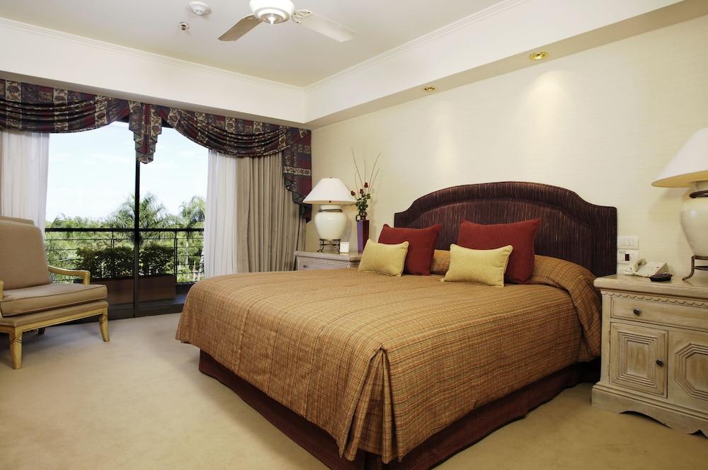 https://i.travelapi.com/hotels/1000000/980000/979400/979370/b583c553_z.jpg